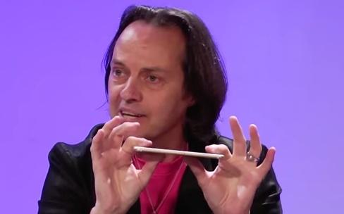 John Legere, CEO de T-Mobile, minimise l'offre d'Iliad
