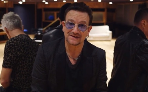 Bono désolé du téléchargement automatique de son album