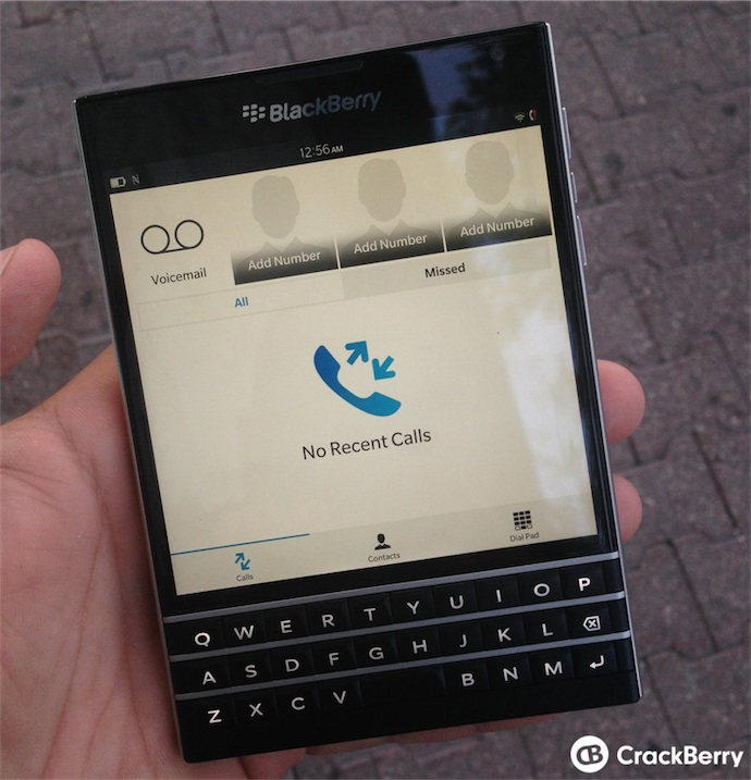 Un aperçu de l'étrange BlackBerry Passport | iGeneration