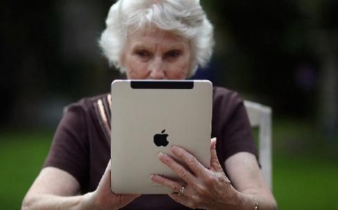 Comment former les seniors à l'iPad ?