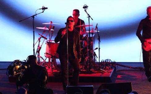 Le nouvel album de U2 vous attend dans iTunes