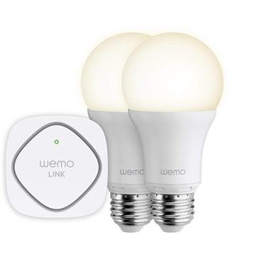 Le WeMo Link, vendu avec deux ampoules connectées pour 99,99 €. Il est indispensable au fonctionnement de tous ces capteurs, qui utilisent le standard Zigbee avec une couche logicielle propriétaire.