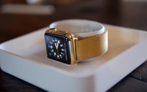 Déballages de vraie et fausse Apple Watch Edition
