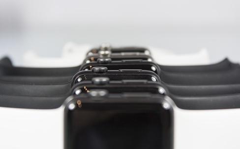 La prochaine Apple Watch serait toujours carrée