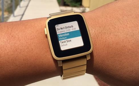 Pebble Time : un firmware pour des réglages plus fins