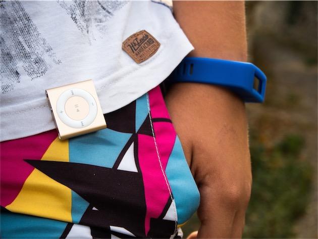 L'iPod shuffle était, près de dix ans avant l'Apple Watch, le premier «appareil à porter» d'Apple.