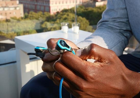 Ces écouteurs permettent de suivre votre activité cardiaque