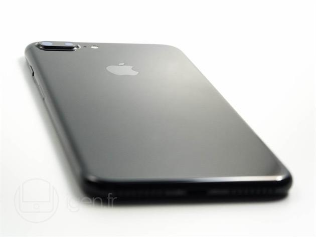 LiPhone 7 Plus noir de jais.