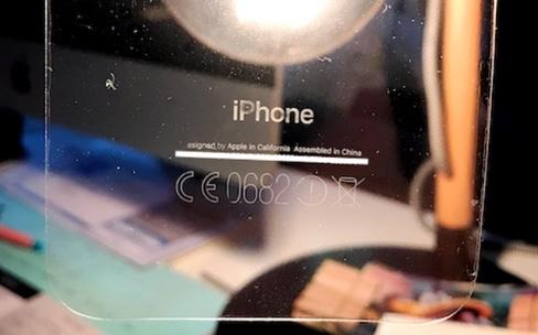 Les films peuvent effacer les lettres au dos des iPhone 7 noir de jais
