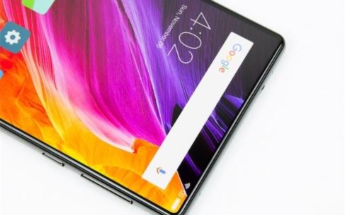 Xiaomi Mi Mix, un écran au design étonnant pour un téléphone assez moyen