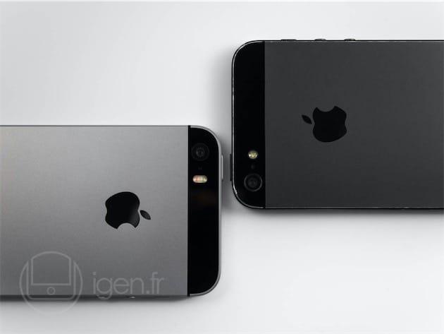 iPhone SE à gauche, iPhone 5 (utilisé quotidiennement sans protection depuis septembre 2012) à droite.