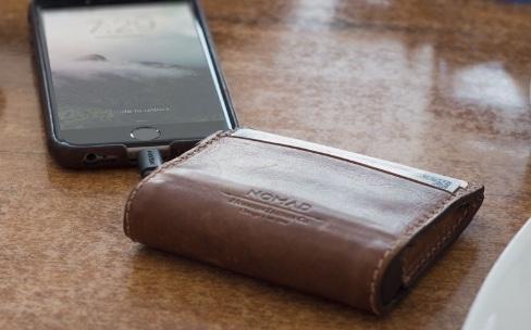 2 portefeuilles en cuir avec batterie intégrée pour iPhone
