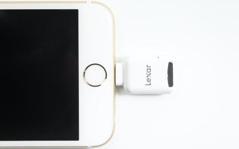 Lexar : un lecteur microSD pour iPhone et iPad