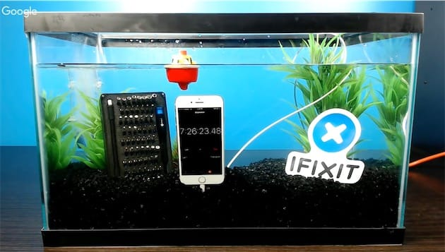 iFixit n'avait pas prévu que l'iPhone tiendrait aussi longtemps et il a fallu l'alimenter en cours de parcours. Oui, sous l'eau.