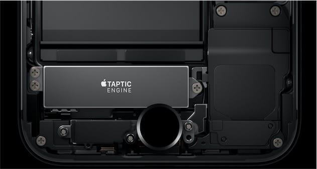 Emplacement du Taptic Engine dans les iPhone7, juste en dessous de la batterie (image Apple). Cliquer pour agrandir