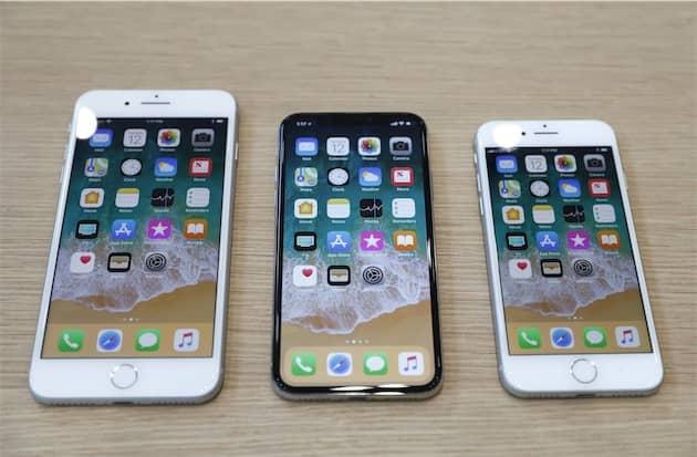 iPhoneX (au milieu). Cliquer pour agrandir