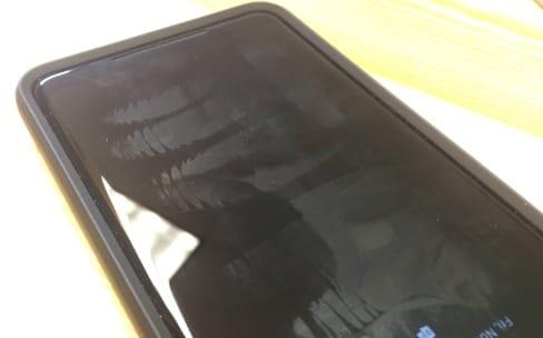 Le revêtement oléophobe de certains Pixel 2 XL se fait la malle