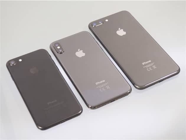 Comme l'iPhone8Plus (droite), l'iPhoneX (centre) est équipé de deux appareils photos. Ce n'est pas le cas de tous les iPhone 4,7pouces, comme cet iPhone 7 (gauche). Cliquer pour agrandir