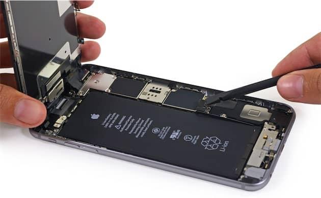 La batterie occupe la majorité de l'espace à l'intérieur d'un iPhone6sPlus (image iFixit). Cliquer pour agrandir