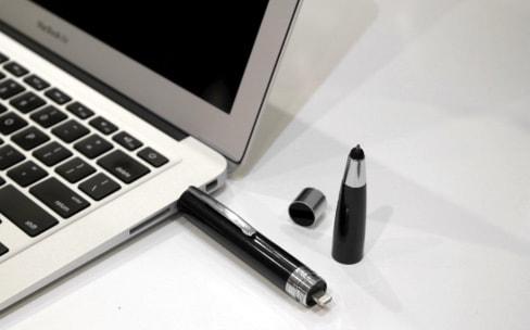 Le ChargeWrite est une batterie, une clé USB, un stylo, un stylet et un chiffon pour votre écran