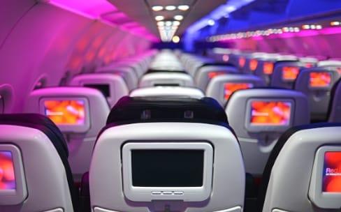 Les petits écrans des avions vont probablement disparaître
