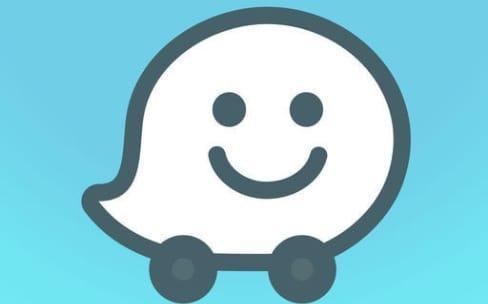 Waze enfin disponible sur Android Auto (en bêta)