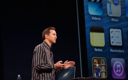 Scott Forstall va évoquer à son tour la naissance de l'iPhone
