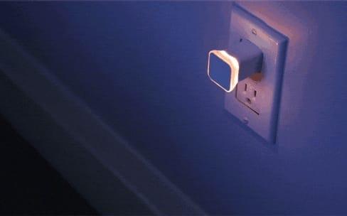 Aumi Mini, une veilleuse Wi-Fi qui vous notifie de tout