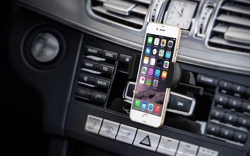 Promos voiture: support pour smartphone à 7€, chargeur allume-cigare à 8,5€