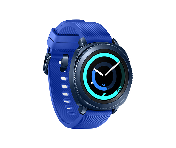 Le prix n est pas encore donné, cette montre sortira pour l automne et on  pourra la choisir en noir ou en bleu. 7cc69d135afa