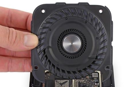 Un gros ventilateur dans l'Apple TV 4K