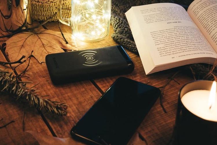 Powergo Contact, une batterie qui recharge aussi par induction