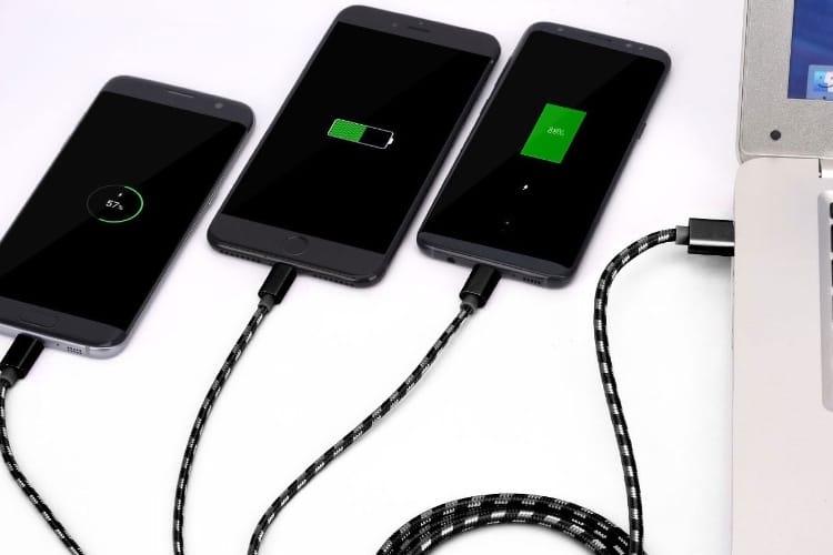 Promos: un câble Lightning, USB-C et micro USB à 6€ et un chargeur USB vraiment universel à 10,4€