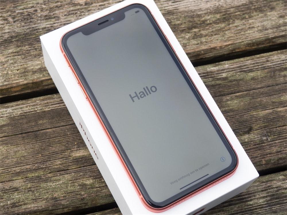 De plus, Haptic Touch n est pas présent aussi largement que 3D Touch. Il se  limite en fait aux deux boutons mentionnés ci-dessus. 503d2d91b4e5