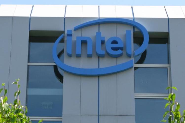 Intel pourrait équiper tous les prochains iPhone en modem universel