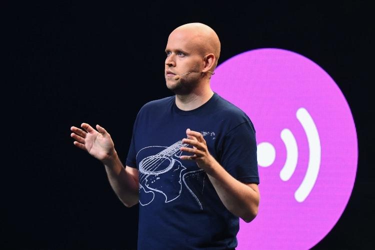 Spotify et Facebook fourbissent leurs enceintes connectées