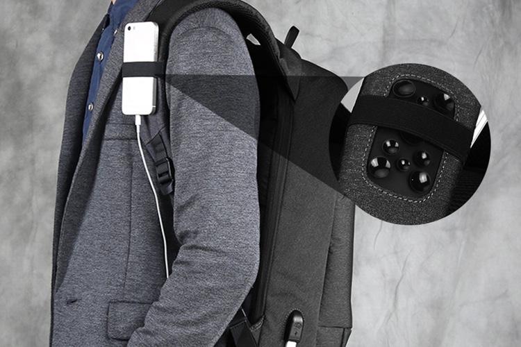 Promos: un sac à dos avec prise USB à 31,5€ et un support pour casque avec hub USB à 18€