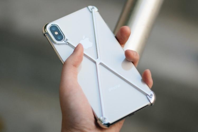 Le Radius X protège les coins de l'iPhoneX