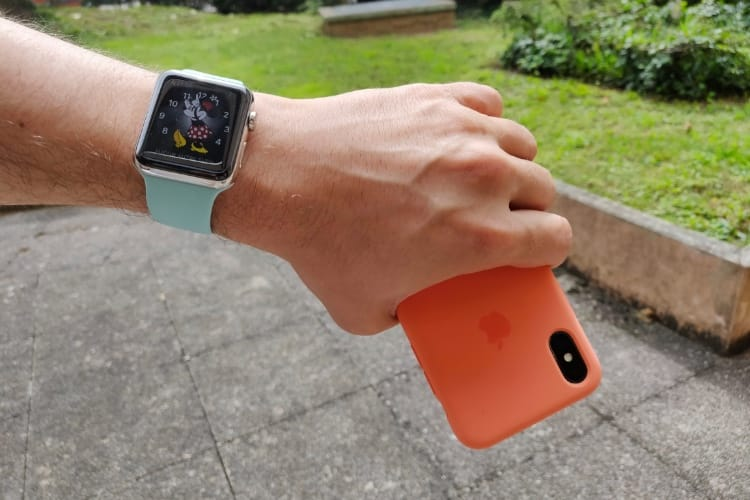 Prise en main des étuis et bracelets estivaux d'Apple